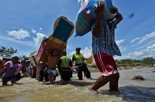 El drama de tres colombianos varados en la frontera con Venezuela