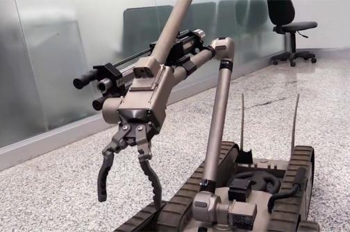 En video: un robot, el guardián en los Olímpicos para evitar atentados con explosivos