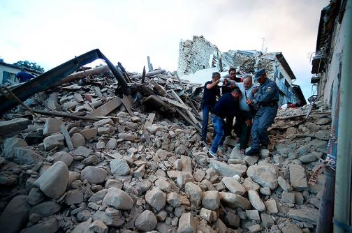En video: se agotan las esperanzas de encontrar sobrevivientes del terremoto en Italia