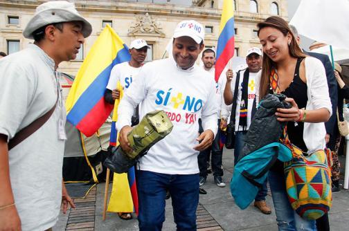 En video: llegada del 'caminante por la paz' a la Plaza de Bolívar, en Bogotá