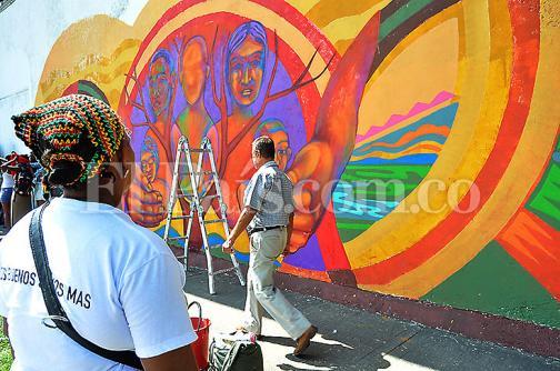 Imágenes: con mural recuerdan a víctimas de desaparición en Buenaventura