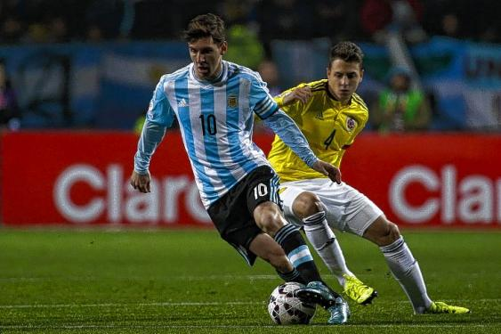 En imágenes: así vive el juego entre la Selección Colombia y Argentina
