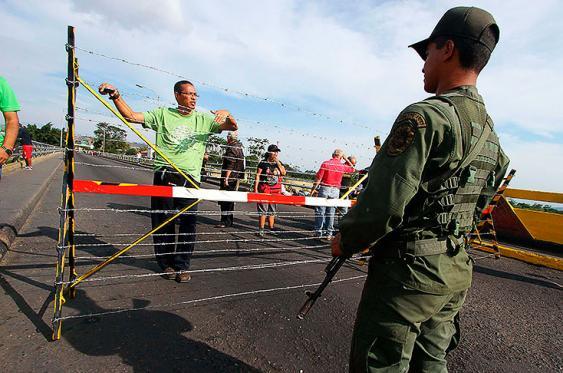 Imágenes: Venezuela mantiene despliegue militar en frontera con Colombia