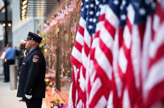 En video: honores y un minuto de silencio para las víctimas del 11-S