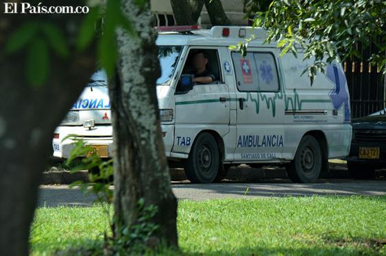 En Cali circulan 218 ambulancias con registro de las autoridades, según un censo hecho recientemente. Foto: Raúl Palacios   El País