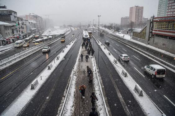 En fotos: inclemente invierno en Europa deja 65 muertos