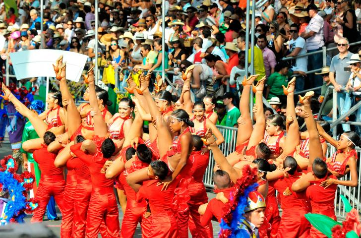 Video: la Feria de Cali 2013, un espectáculo que brilló por su colorido - elpais.com.co