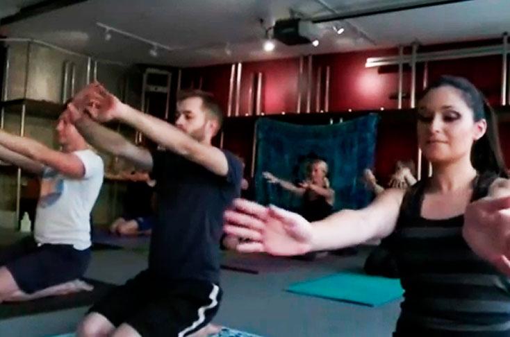 Dictan clases de Yoga bajo efectos de la marihuana en EE.UU. - Diario El País