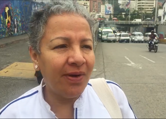 Citizens affected by mobilization at Calle 5