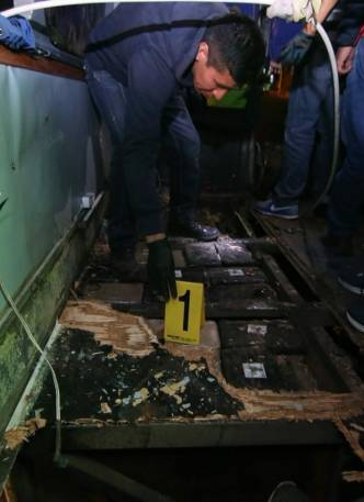 Droga incautada al interior del bus accidentado en Ecuador 01