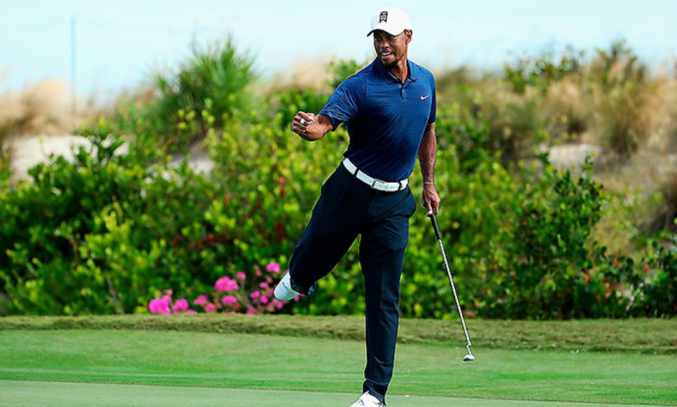 Tiger Woods ruge y sube en el Hero World Challenge de golf