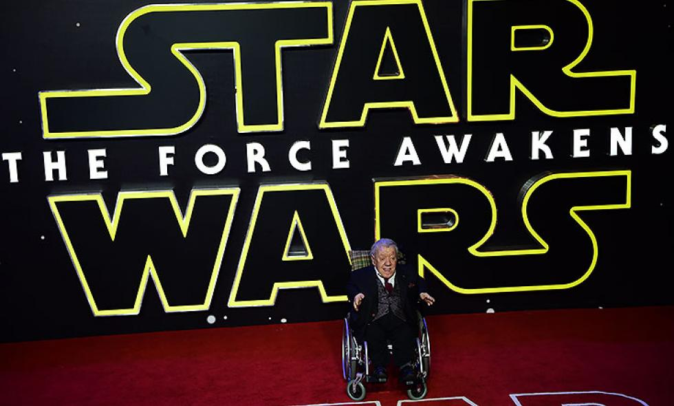 Murió Kenny Baker, el actor que interpretaba R2-D2 en 'Star Wars'