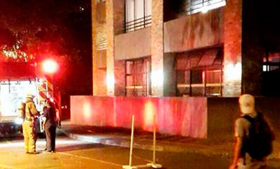 Investigan causas de incendio en edificio de la Universidad Javeriana