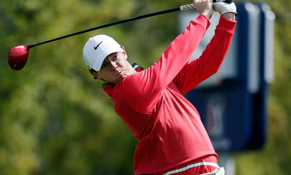 Rory McIlroy se acerca a Tiger Woods