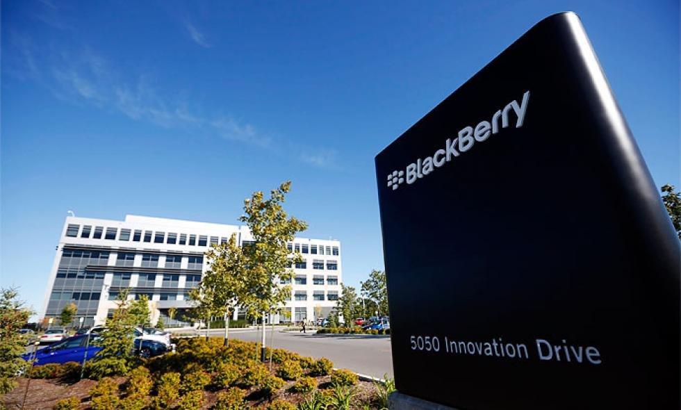 Blackberry abandona plan de venta y reemplaza a su director general