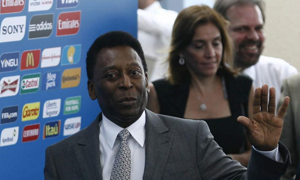 Pelé sale de terapia intensiva