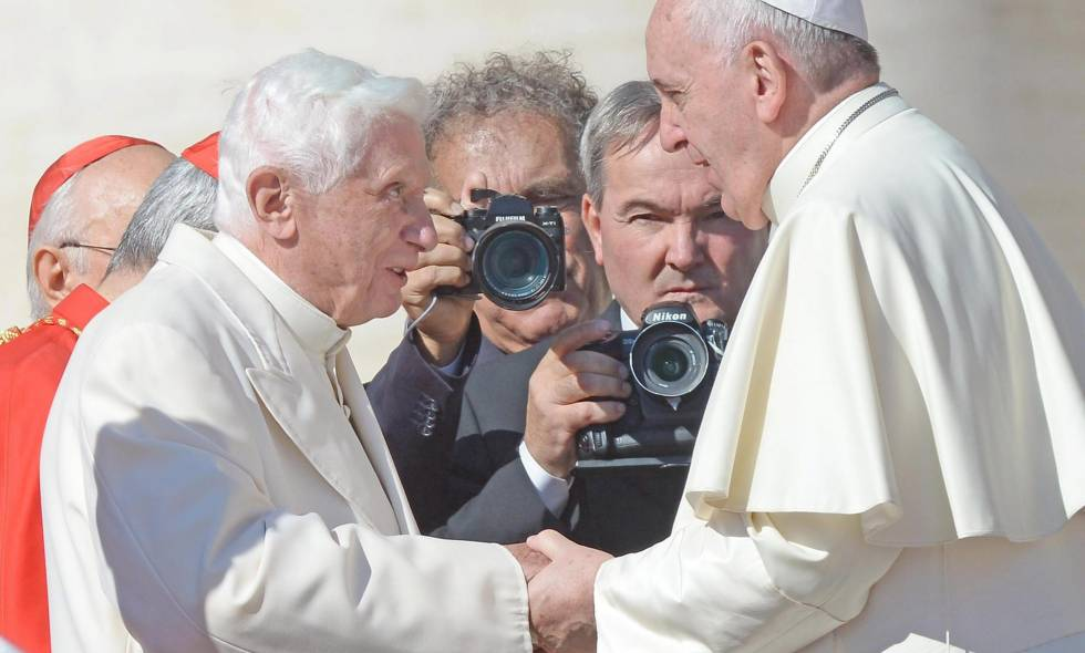 Benedicto XVI y Francisco