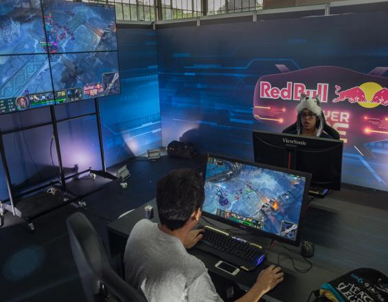 Videojuegos  Red Bull Player One