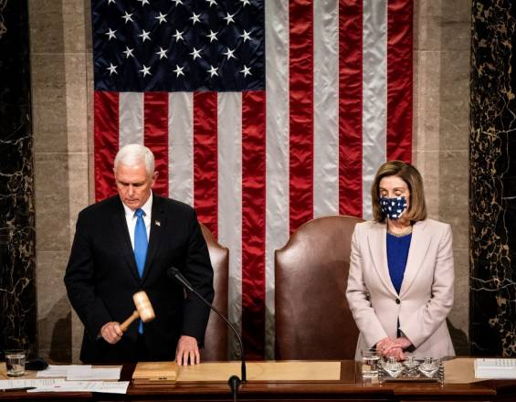 Mike Pence y Nancy Pelosi