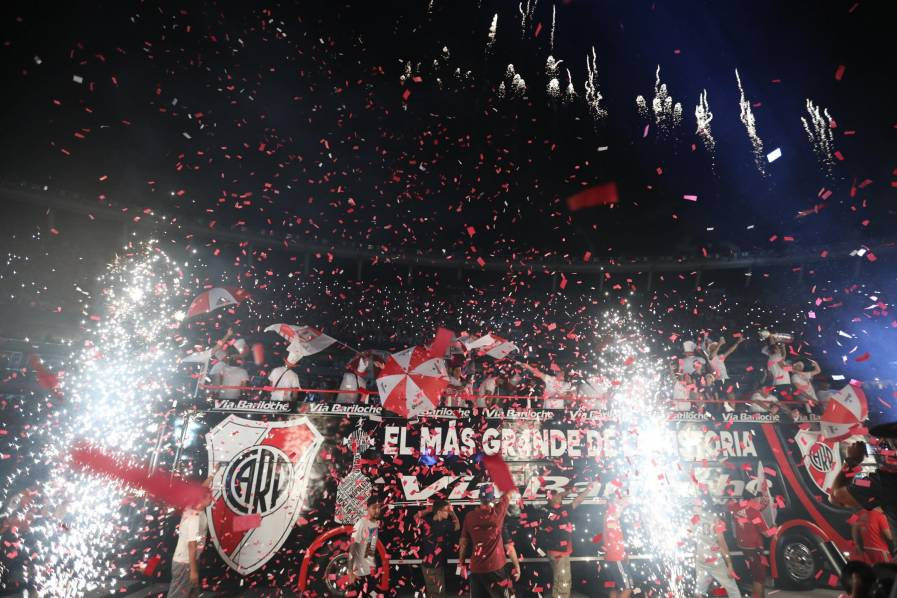 Video: ¡River en casa! el campeón continental regresó al Monumental para celebrar por lo alto