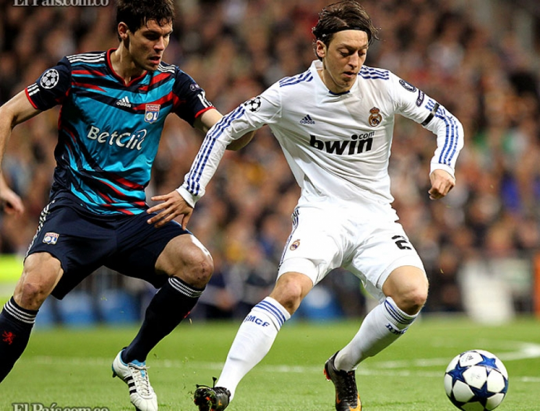 Real Madrid vs. Lyon 26