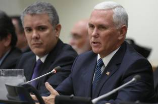 Mike Pence acusó a China de