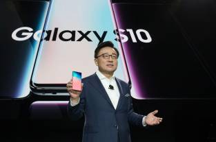Video: así son el el Galaxy S10 y el S10 Plus que Samsung presentó en San Francisco